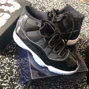 AIR JORDAN 11 RETRO SIZE 8